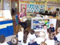 Lyndsay Gobolos '16 teaches a lesson to her kindergarten class.