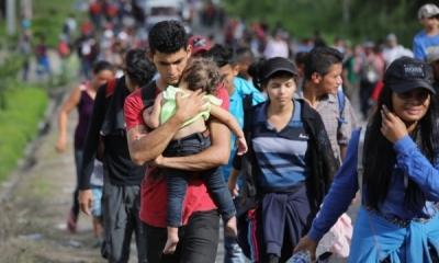 https://www.theguardian.com/world/gallery/2018/oct/16/hondurans-fleeing-violence-join-migrant-caravan-in-pictures