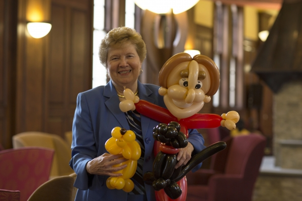 sister carol with balloon dogs